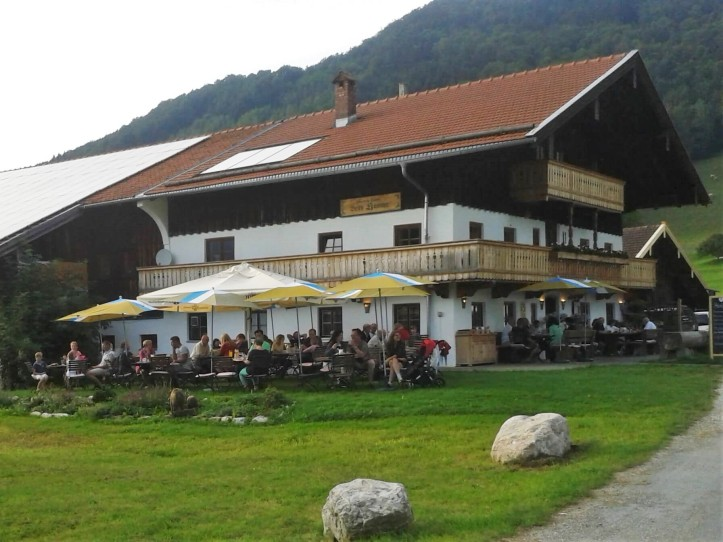 """Wirtshaus """"Beim Häusler"""" in Ruhpolding"""