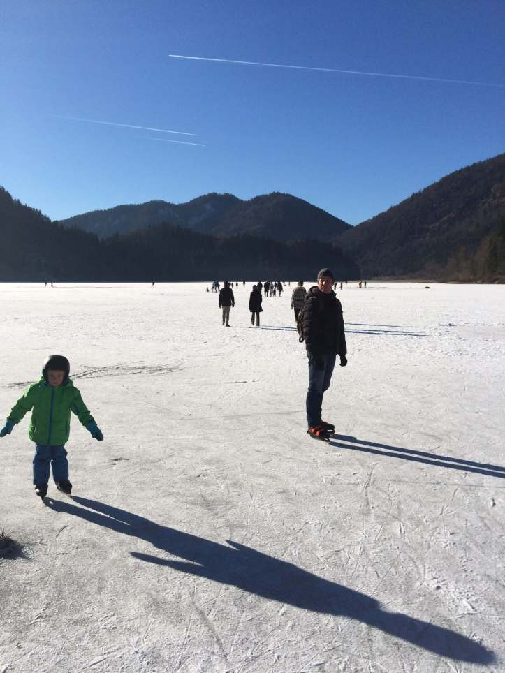 Eislaufen am Weitsee bei Ruhpolding